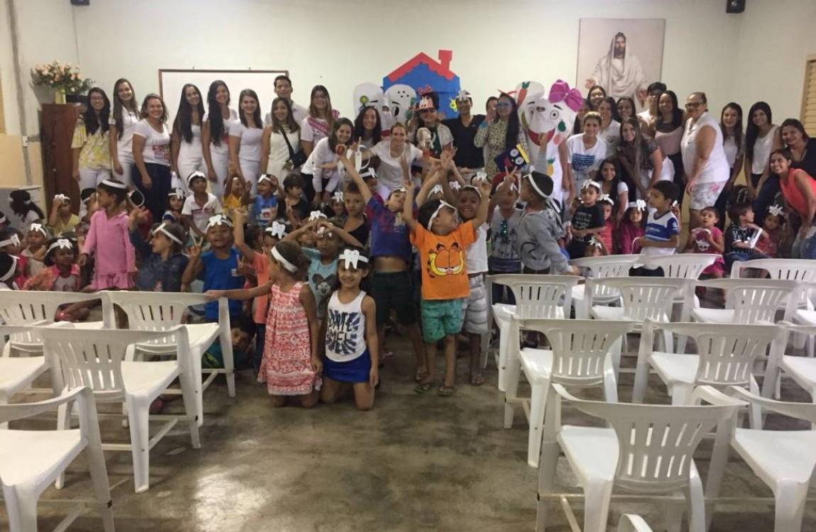 Alunos de Odontologia da FIC visitaram a creche da União Espírita
