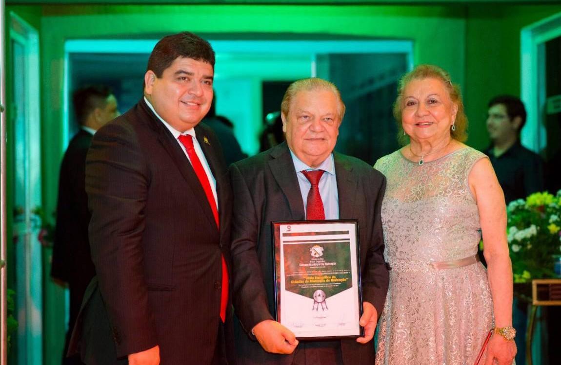 Presidente da FIC recebe Comenda Cidadão de Redenção